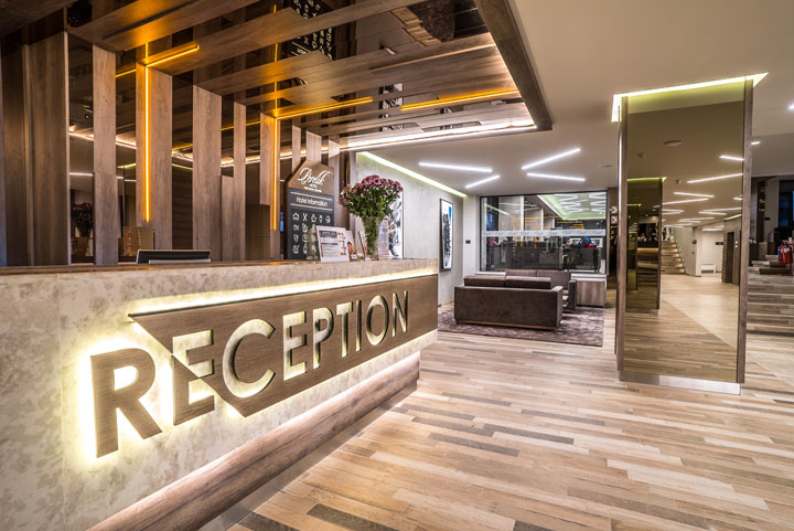 pamporovo hotel reception image live chat alternative